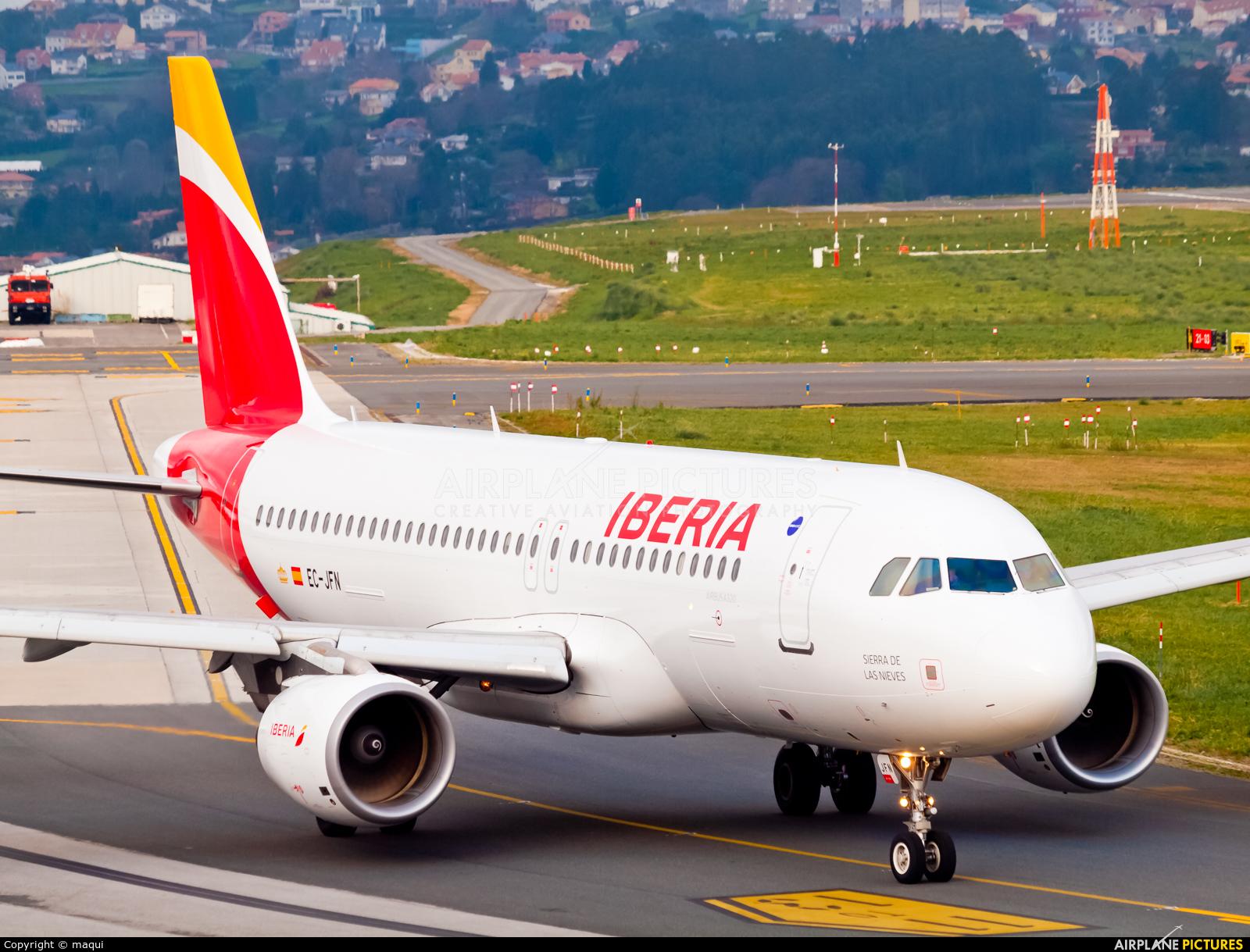 Iberia EC-JFN aircraft at La Coruña