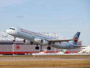 C-GJWI - Air Canada Airbus A321