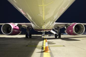HA-LXC - Wizz Air Airbus A321