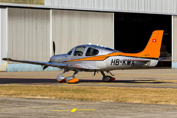 HB-KMA - Private Cirrus SR22