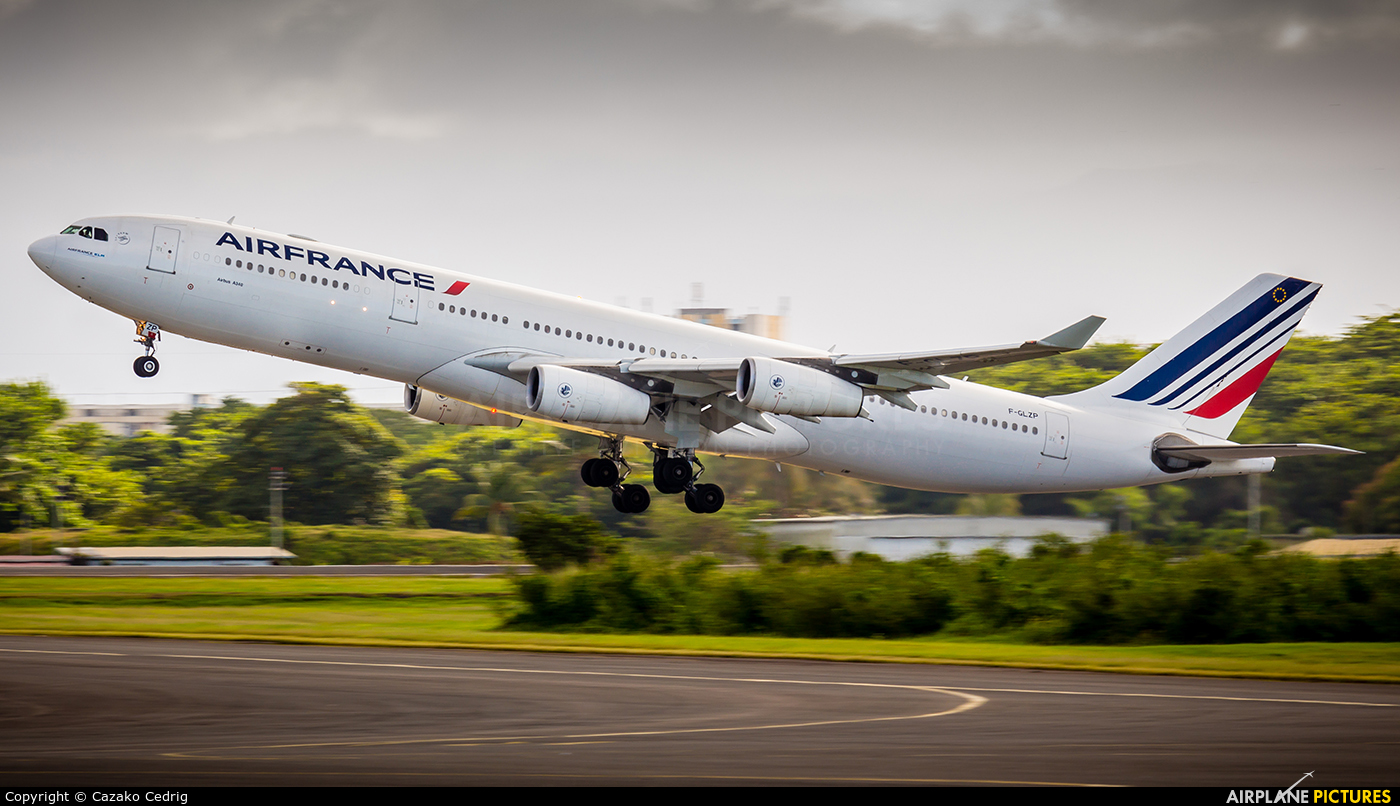 Air France F-GLZP aircraft at Guadeloupe - Pointe-à-Pitre