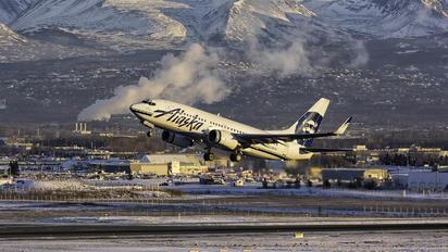 N612AS - Alaska Airlines Boeing 737-700