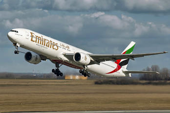 A6-EMV - Emirates Airlines Boeing 777-300