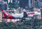 PR-MAN - TAM Airbus A319 aircraft