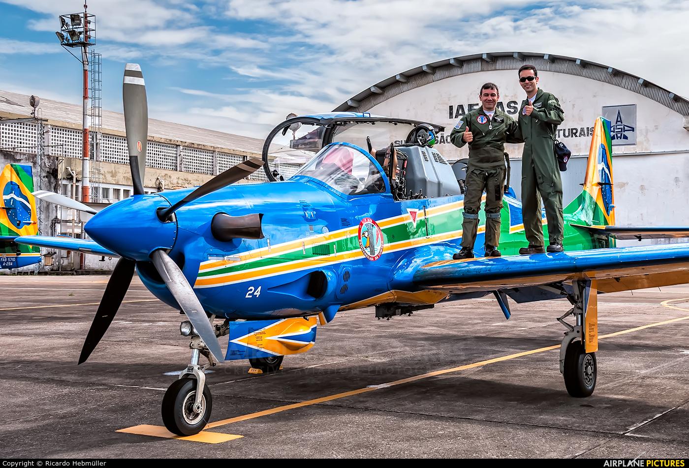 """Brazil - Air Force """"Esquadrilha da Fumaça"""" 5724 aircraft at São José dos Campos, SP"""