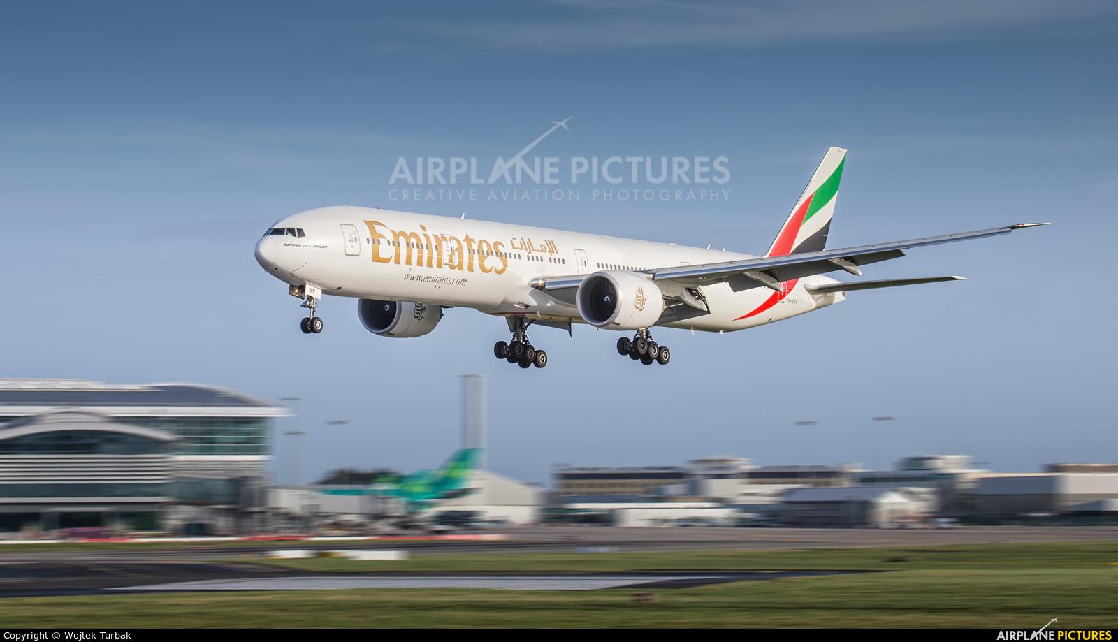Emirates Airlines A6-ENN aircraft at Dublin