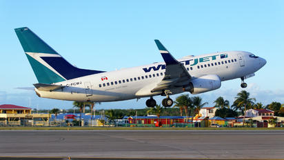 C-FCWJ - WestJet Airlines Boeing 737-700