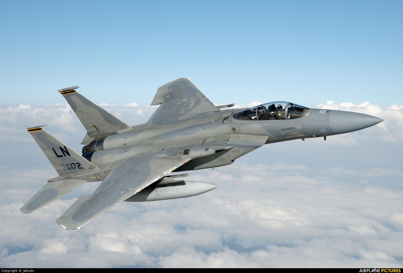 USA - Air Force 86-0172 aircraft at In Flight - England