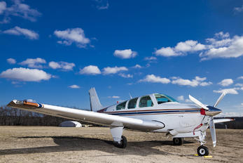 N1555W - Private Beechcraft 33 Debonair / Bonanza