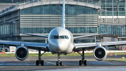N941UW - American Airlines Boeing 757-200