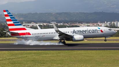 N912AN - American Airlines Boeing 737-800