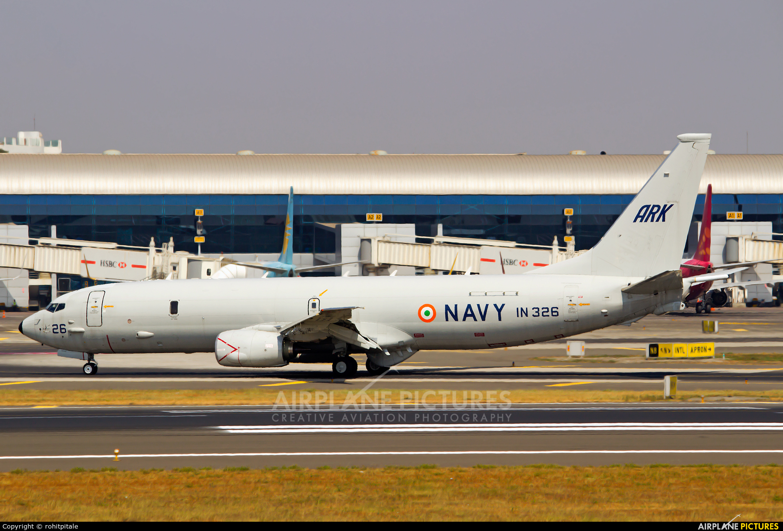 India - Navy IN326 aircraft at Mumbai - Chhatrapati Shivaji Intl