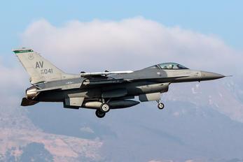 89-0041 - USA - Air Force General Dynamics F-16CG Night Falcon