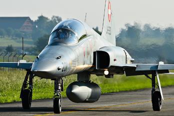 J-3201 - Switzerland - Air Force Northrop F-5F Tiger II