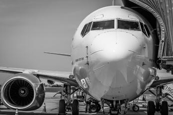 PR-GII - GOL Transportes Aéreos  Boeing 737-700