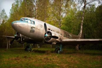 - - Russian Sky Lisunov Li-2