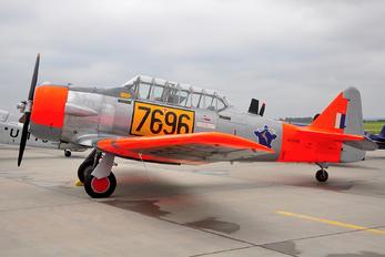 N696RE - Private North American Harvard/Texan (AT-6, 16, SNJ series)