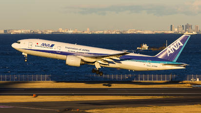 JA709A - ANA - All Nippon Airways Boeing 777-200