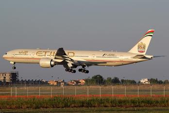 A6-ETP - Etihad Airways Boeing 777-300ER