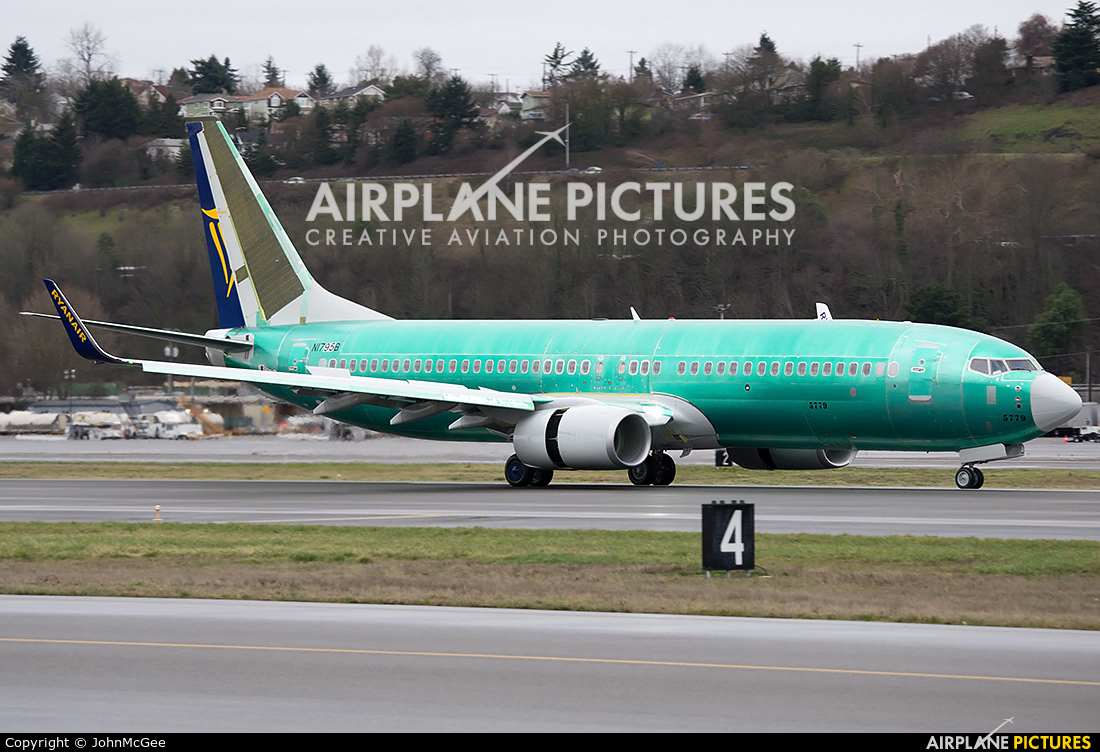 Boeing 737 700 Seating Plan Klm Brokeasshome Com