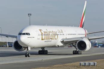 A6-EMQ - Emirates Airlines Boeing 777-300