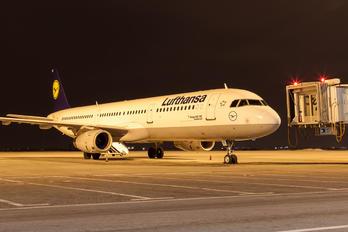 D-AIRE - Lufthansa Airbus A321