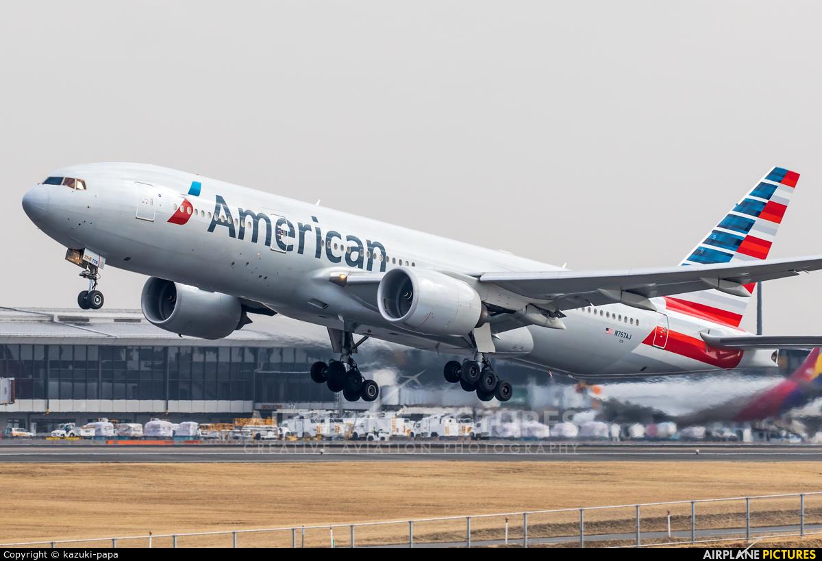 Resultado de imagen para boeing 777-200er american airlines