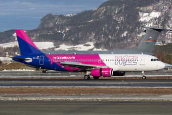 HA-LWB - Wizz Air Airbus A320