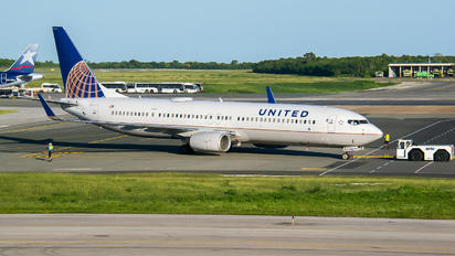 PUJ - United Airlines Boeing 737-900