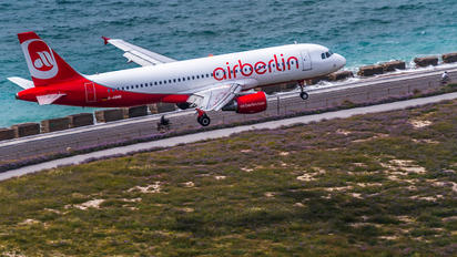 D-ABNB - Air Berlin Airbus A320