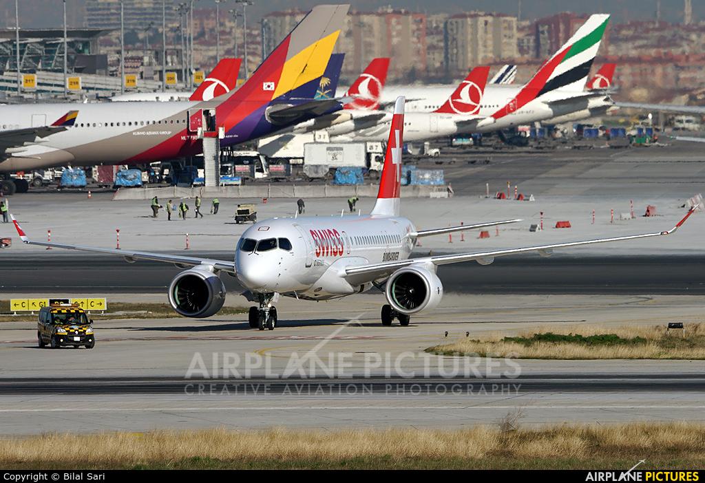 Swiss C-GWXZ aircraft at Istanbul - Ataturk