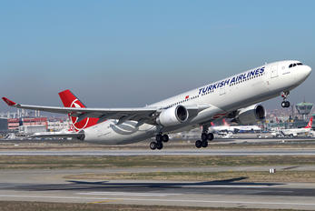 TC-JNS - Turkish Airlines Airbus A330-300