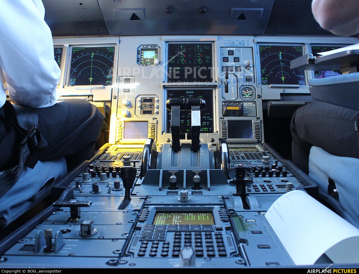 Avianca N280AV aircraft at