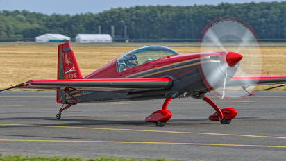 JY-RFE - Royal Jordanian Falcons Extra 300L, LC, LP series