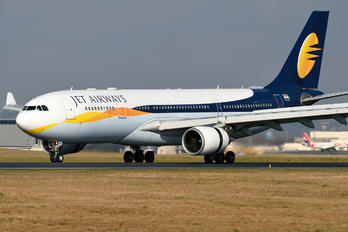 VT-JWQ - Jet Airways Airbus A330-200