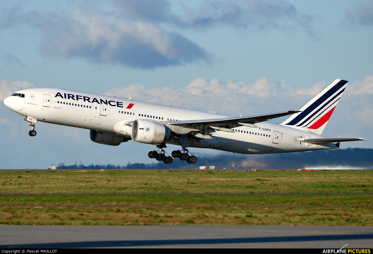Air France F-GSPV aircraft at Paris - Charles de Gaulle