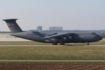 70031 - USA - Air Force Lockheed C-5B Galaxy