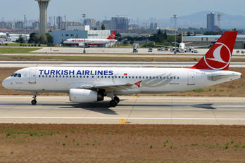 TC-JLK - Turkish Airlines Airbus A320