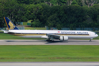 9V-SYJ - Singapore Airlines Boeing 777-300