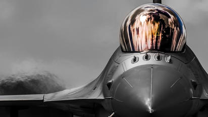 - - Netherlands - Air Force Lockheed Martin F-16B Block 20 MLU