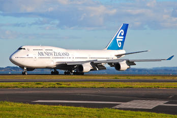 ZK-NBV - Air New Zealand Boeing 747-400