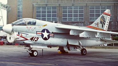 159977 - USA - Navy Vought A-7E Corsair II