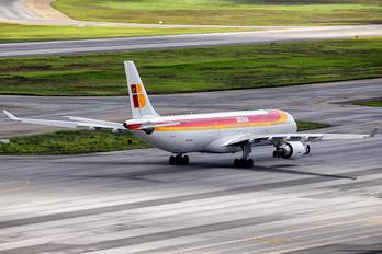 EC--LXK - Iberia Airbus A330-200