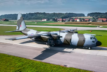 XV294 - Royal Air Force Lockheed Hercules C.4
