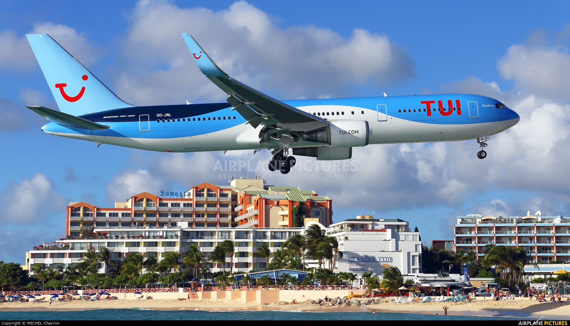 Jetairfly (TUI Airlines Belgium) OO-JNL aircraft at Sint Maarten - Princess Juliana Intl