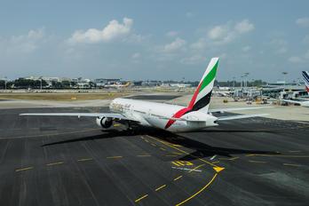 A6-EPI - Emirates Airlines Boeing 777-300ER