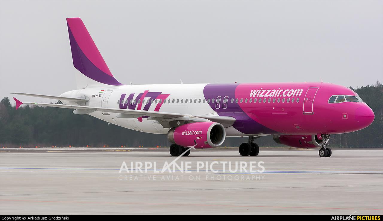 Wizz Air HA-LWI aircraft at Szczecin - Goleniów