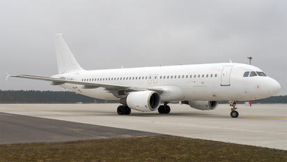 YL-LCK - SmartLynx Airbus A320