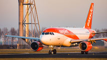 G-EZFD - easyJet Airbus A319 aircraft
