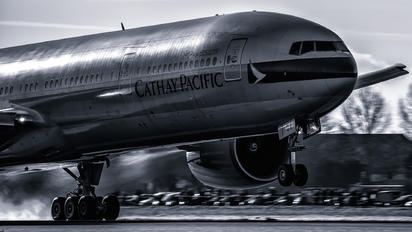 B-KQA - Cathay Pacific Boeing 777-300ER
